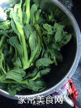 响油菜芯的做法步骤:1