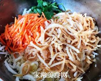 白菜心拌蜇皮的做法步骤:5