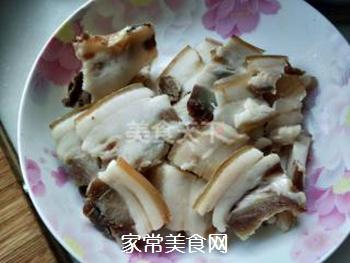 【川菜】香干回锅肉的做法步骤:1