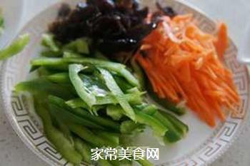 小炒海鲜菇#晚餐#的做法步骤:2