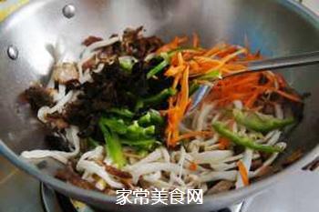 小炒海鲜菇#晚餐#的做法步骤:4