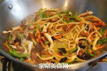 小炒海鲜菇#晚餐#的做法步骤:5