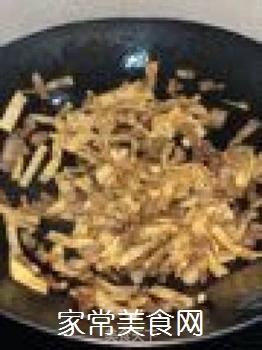 猪肉蒜苗炒油片的做法步骤:7