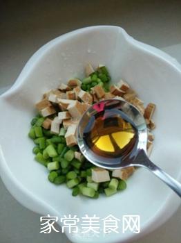 老干妈蒜薹拌香干的做法步骤:5