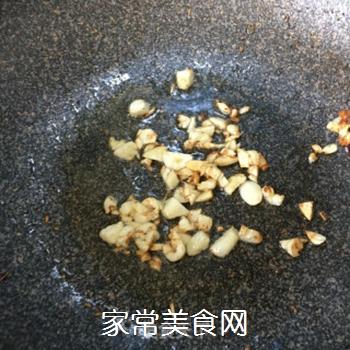 蒜蓉菠菜的做法步骤:2