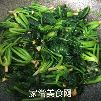 蒜蓉菠菜的做法步骤:3