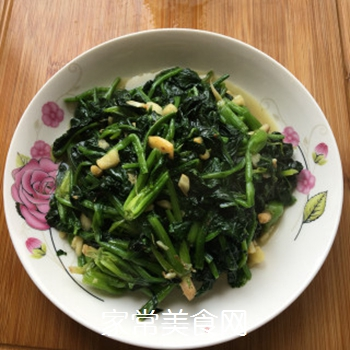 蒜蓉菠菜的做法步骤:4