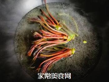 春天的味道:拌香椿芽的做法步骤:3