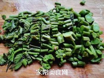 春天的味道:拌香椿芽的做法步骤:5
