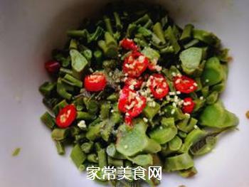 春天的味道:拌香椿芽的做法步骤:7