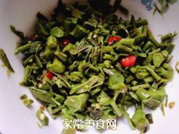 春天的味道:拌香椿芽的做法步骤:8