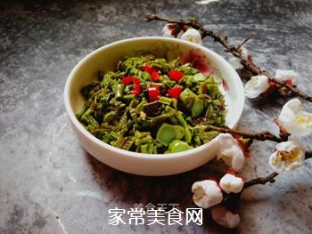 春天的味道:拌香椿芽的做法