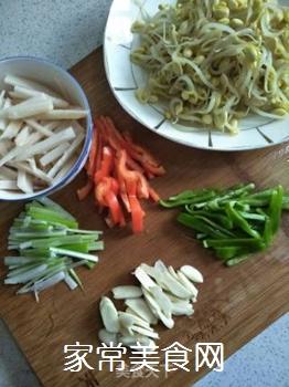 黄豆芽炒莲藕的做法步骤:8