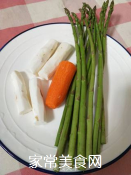 芦笋炒山药的家常做法