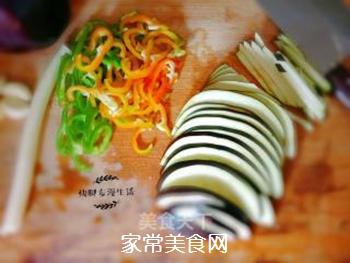 双椒炒茄丝的家常做法