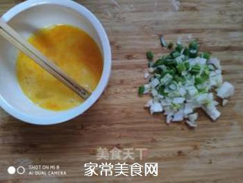 快手素菜 茼蒿鸡蛋的做法步骤:2