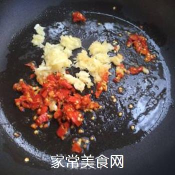 剁椒蒜蓉蒸丝瓜的做法步骤:3