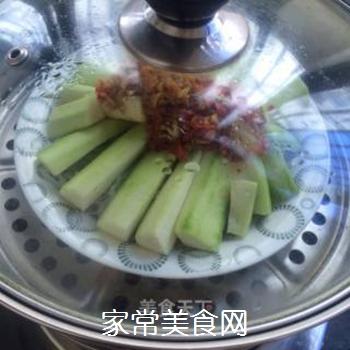 剁椒蒜蓉蒸丝瓜的做法步骤:6