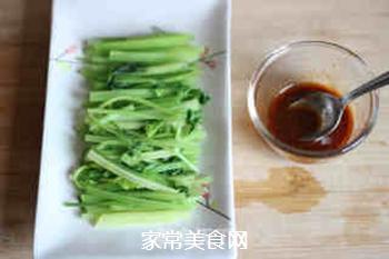 爽口芹菜的做法步骤:6