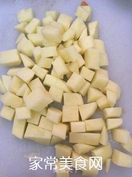 咖喱土豆的做法步骤:2