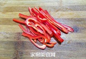 红椒拌金针菇的做法步骤:4