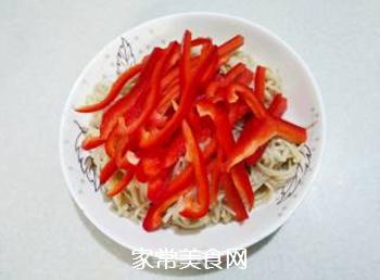 红椒拌金针菇的做法步骤:8
