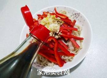 红椒拌金针菇的做法步骤:12