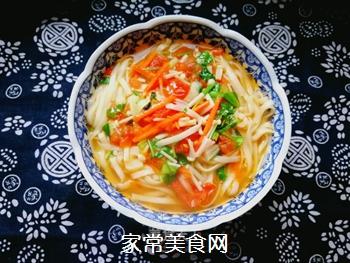 西红柿胡萝卜汤面的做法