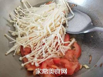 金针菇炒西红柿的做法步骤:4
