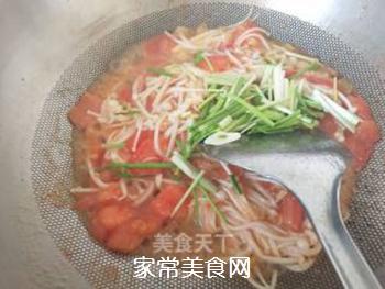 金针菇炒西红柿的做法步骤:5