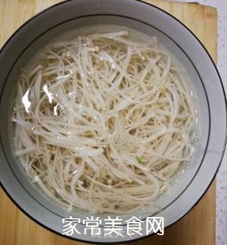 凉拌金针蘑的做法步骤:4