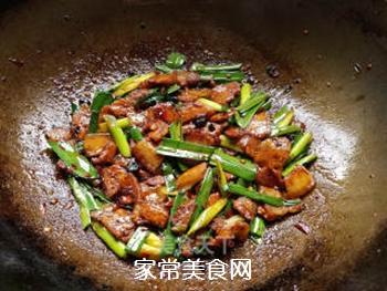 蒜苗回锅肉的做法步骤:8