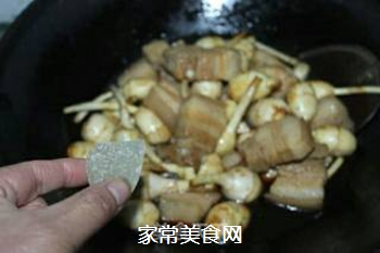 #御寒美食#茨菇烧五花肉的做法步骤:9