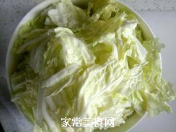 白菜五花肉炖粉丝的做法步骤:2
