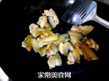 白菜五花肉炖粉丝的做法步骤:5