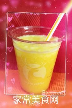 鲜榨菠萝汁的做法步骤:7