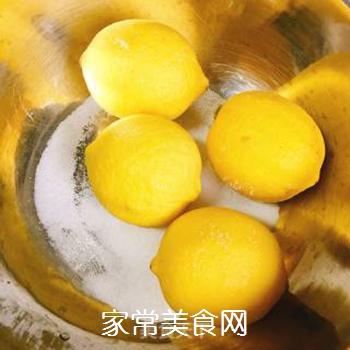 柠檬冰红茶的做法步骤:1