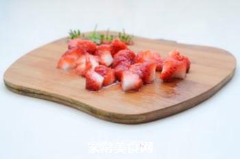 草莓酸奶的做法步骤:2
