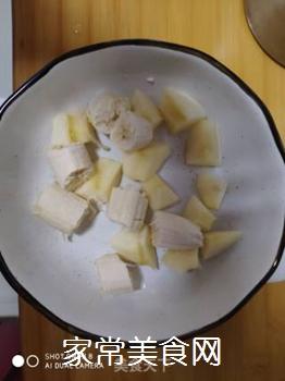 水果香蕉苹果奶昔的做法步骤:2