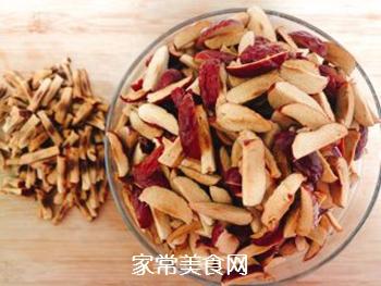红糖姜枣膏的做法步骤:2