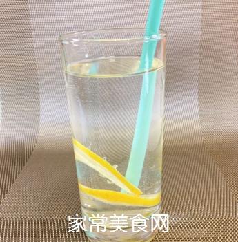 雪碧柠檬水的做法