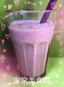 草莓奶昔的做法步骤:7