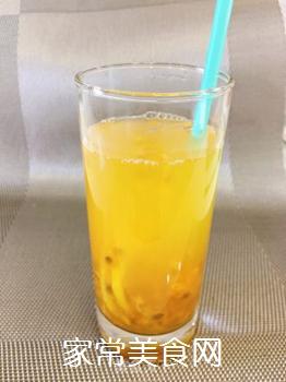 百香果柠檬蜂蜜冰饮的做法步骤:4