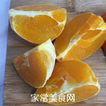 胡萝卜橙子汁的做法步骤:2
