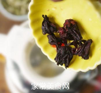 洛神花荷叶茶的做法步骤:3