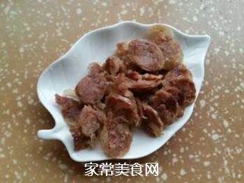 腊肠炒杏鲍菇的做法步骤:2