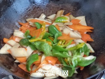 杏鲍菇炒胡萝卜的做法步骤:10