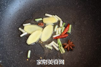红焖栗子鸡的做法步骤:8