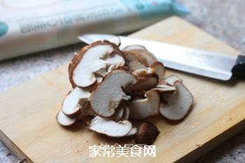 菌菇汤面的做法步骤:3