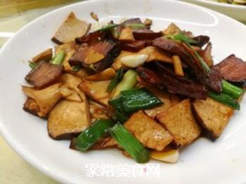 春笋豆干炒回锅肉的做法步骤:12